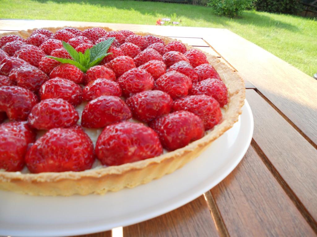 Tarte aux fraises et sa crème pâtissière à la fève Tonka