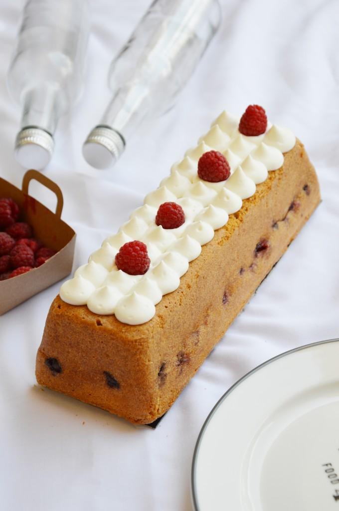 Cake vanille et coeur framboise