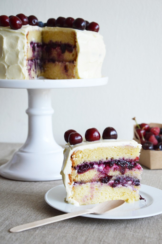 Layer Cake myrtille/cerise - Plus une miette dans l'assiette X Lily's Kitchen Book