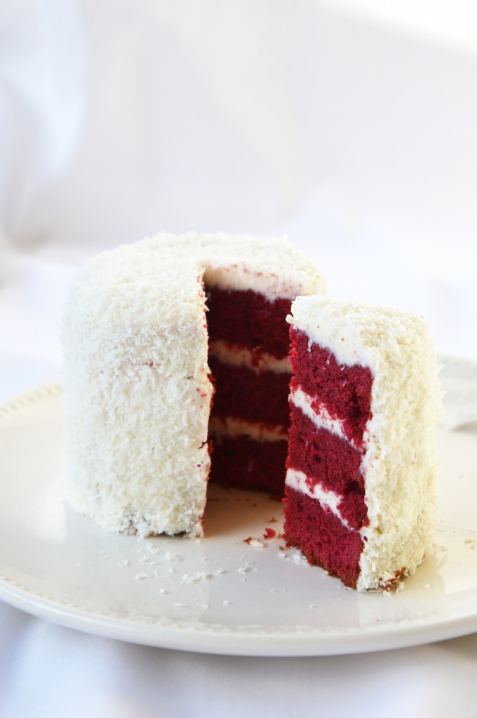 Red Velvet Cake by Plus one miette dans l'assiette
