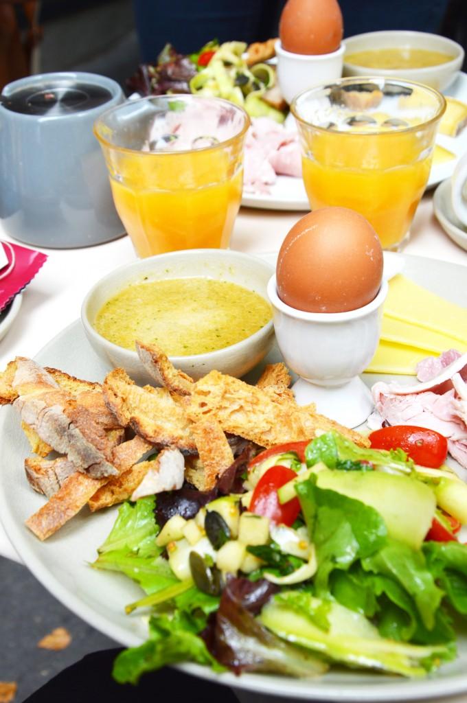 Brunch Marlette - Salade gourmande, oeuf à la coque, mouillettes et soupe de melon