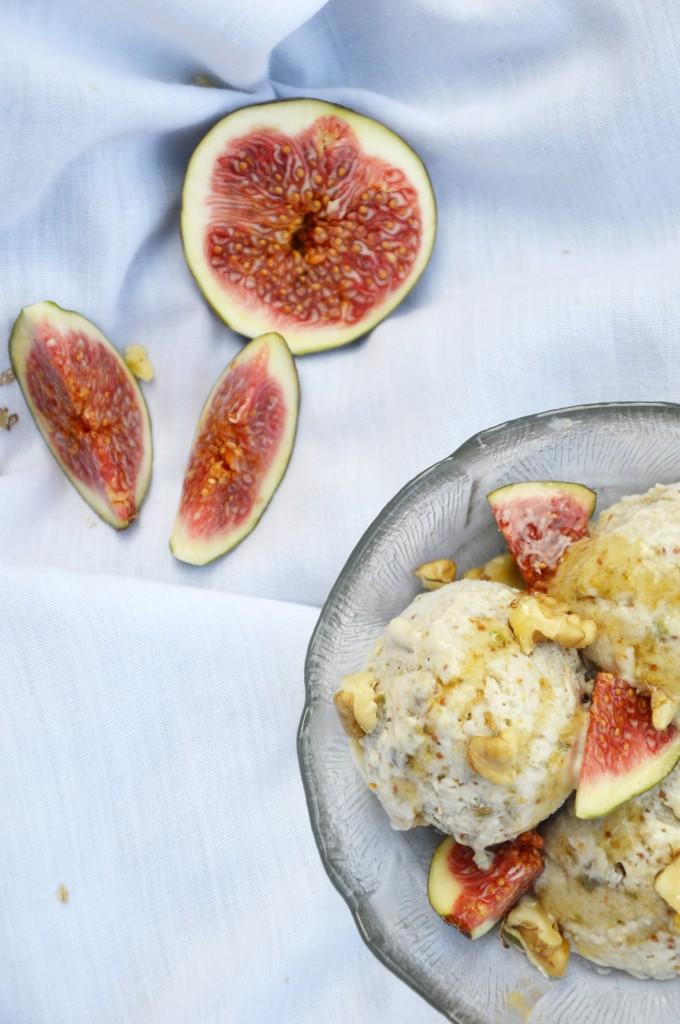 Glace figue-miel-noix par Plus une miette dans l'assiette
