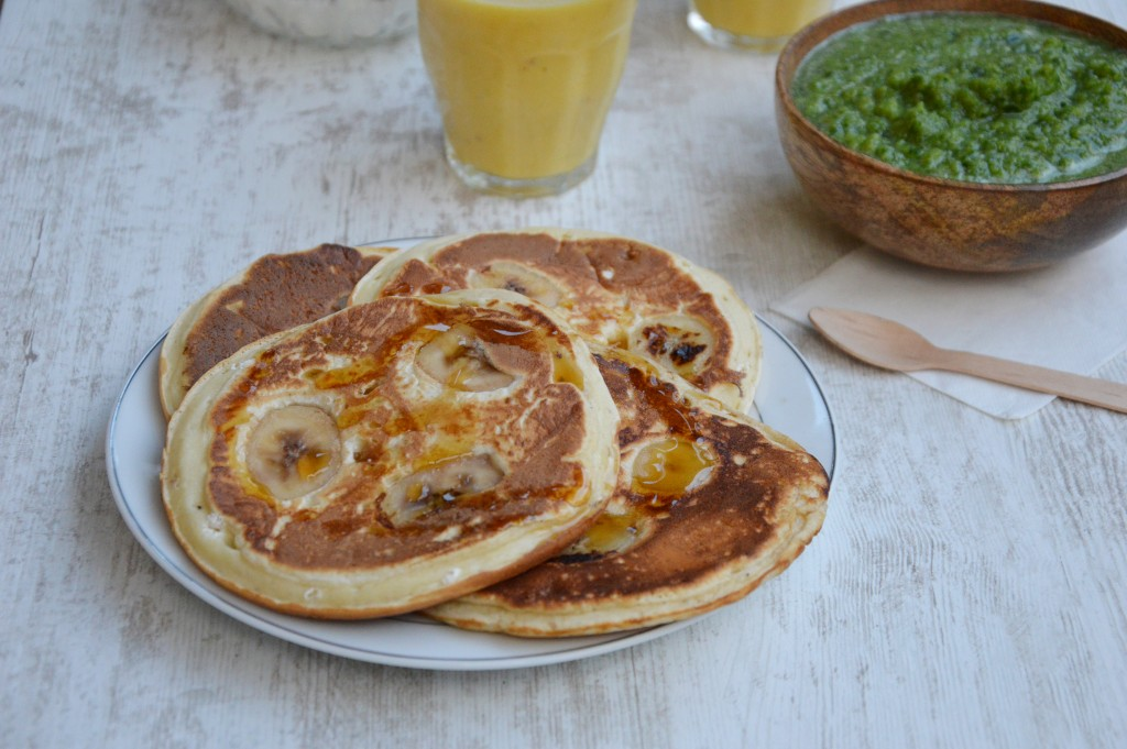 Brunch coloré - pancakes banane tonka - Plus une miette dans l'assiette