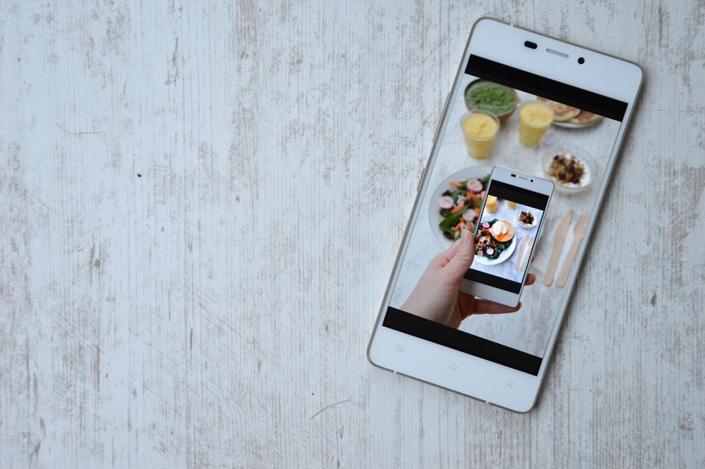 Kazam Mobile - Brunch Plus une miette dans l'assiette