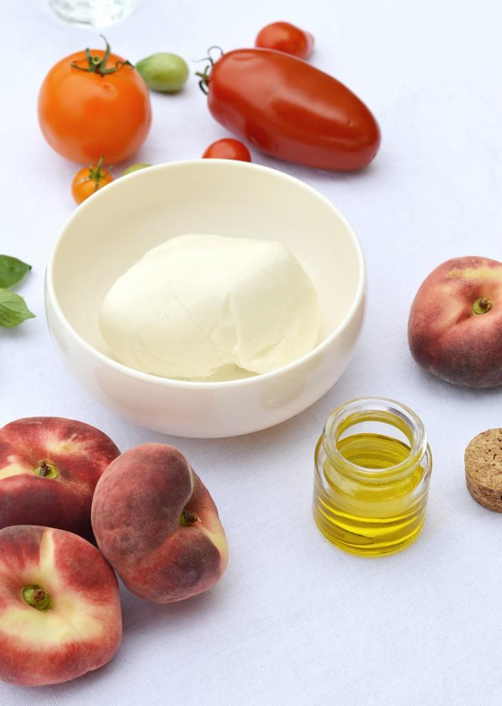 Ingrédients salade pêche - tomate - burrata - Plus une miette