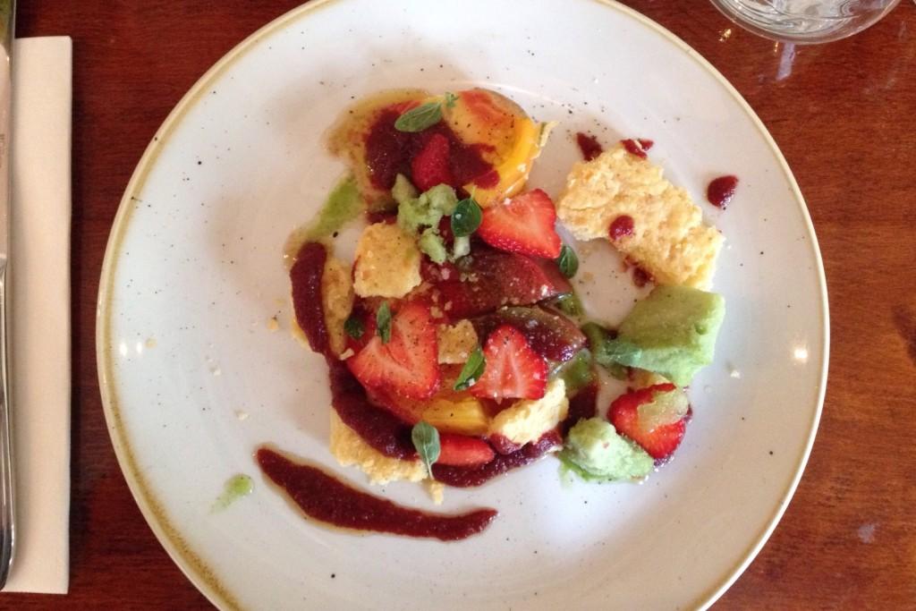 Méli Mélo de tomate, sablé au cheddarr et glace basilic - Rosemary