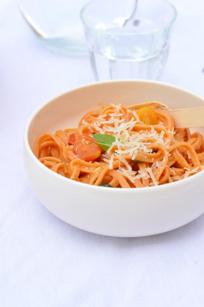 One pot pasta Tomate-Basilic-Piment - Plus une miette dans l'assiette