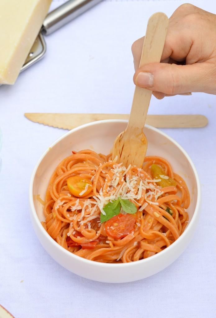 One pot pasta tomates-basilic-piment / Plus une miette