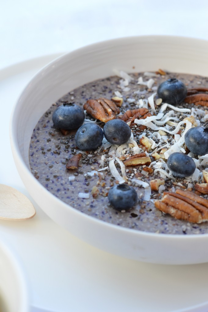Gluten free brunch - Blueberry smoothie bowl - Plus une miette dans l'assiette