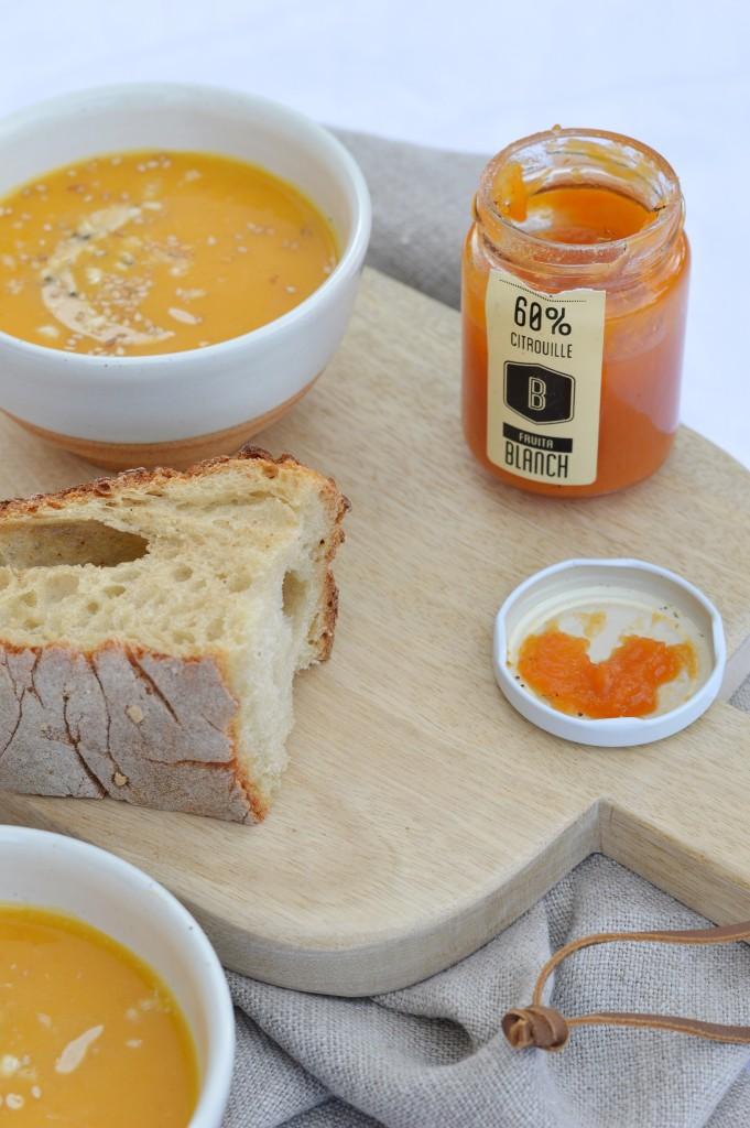 Soupe potiron-butternut-beurre de cacahuète par Plus une miette dans l'assiette
