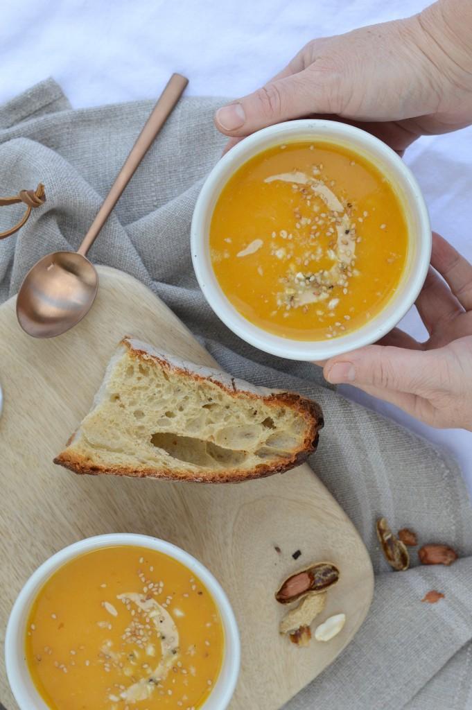 Soupe potiron-butternut-beurre de cacahuète par Plus une miette