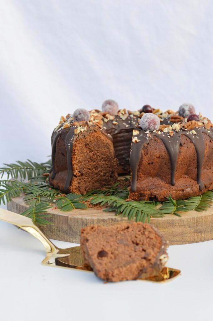 Bundt cake de noël au chocolat par Plus une miette
