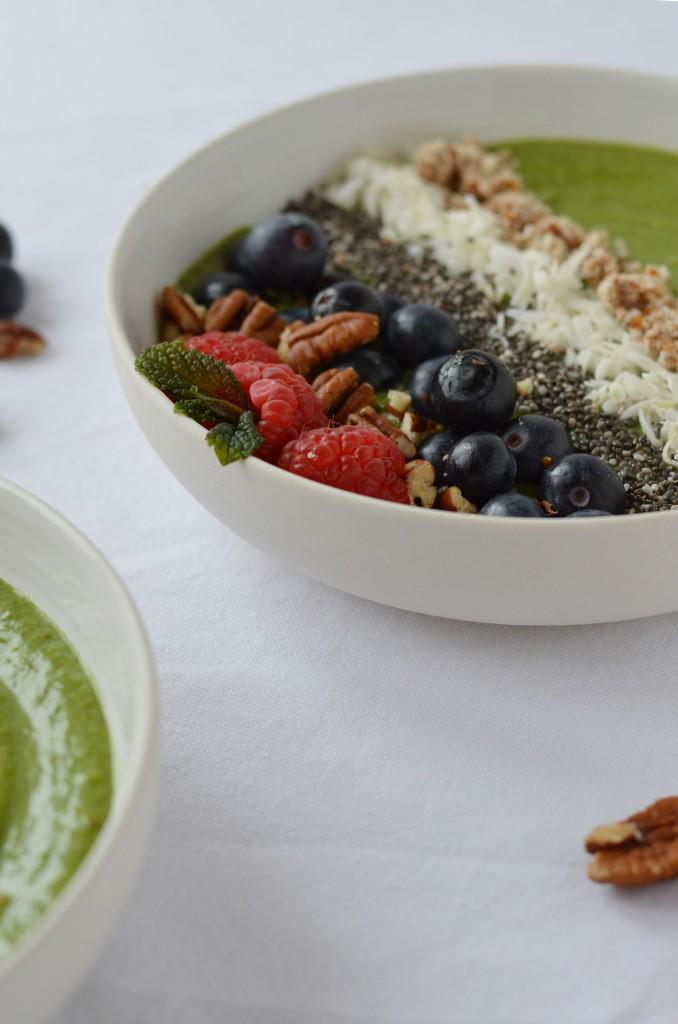 Green smoothie bowl par Plus une miette